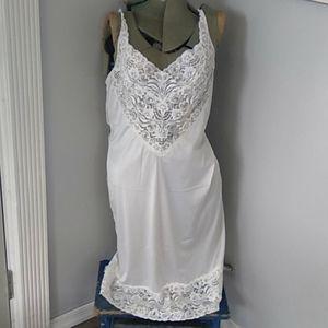 Vtg 90s Vanity Fair white lace slip USA 36-42